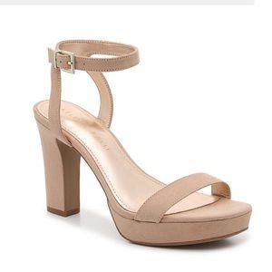 Kelly & Katie Sarafine Platform Sandal NWT Size 9